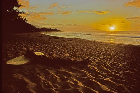 photo surfer-exhausted-sunset-beach-hi-1971.jpg California Dream : Jeff Divine - François Fontaine - photographies