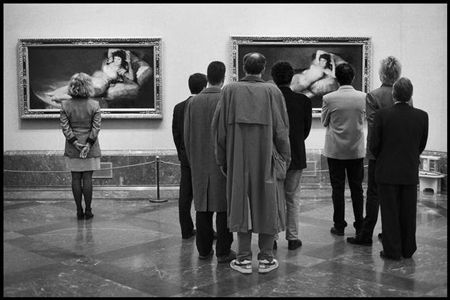 photo 015-Museo-Del-Prado-Madrid-Spain-1995.jpg Elliot Erwitt - photo exhibition
