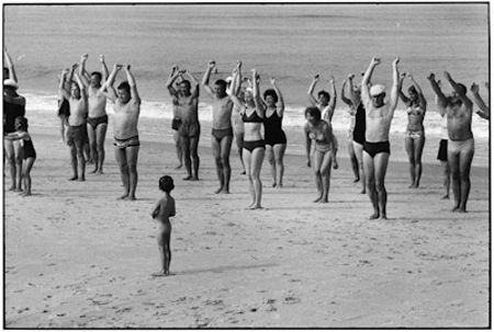 photo 034-Sylt-West-Germany-1968.jpg Elliot Erwitt - photo exhibition
