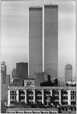 photo 037-Twin-Towers-New-York-City-USA-1979.jpg Elliot Erwitt - photo exhibition