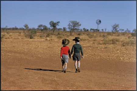 photo 043-Central-Australia-Australia-1961.jpg Elliot Erwitt - photo exhibition