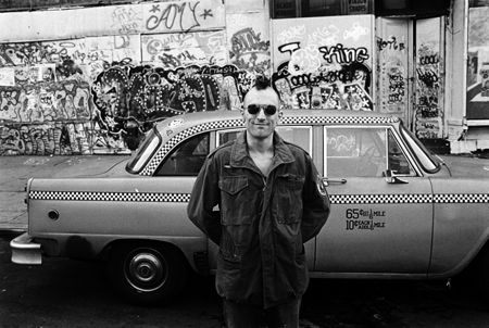 photo 029_029-Taxi-Driver-DeNiro-Taxi-and-Graffiti.jpg Steve Schapiro - Photographies