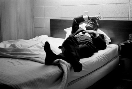 photo 031_031-Truman-Capote-in-Bed.jpg Steve Schapiro - Photographies