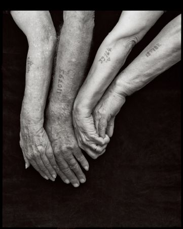 photo greek-jews-at-a-gathering-of-survivors-new-york-1995.jpg Mark Seliger - Tirages et Exposition