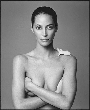 photo 021_Christy-Turlington-and-Mouse-1999-by-Patrick-Demarchelier.jpg Patrick Demarchelier - Exposition Photo