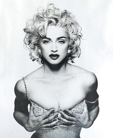 photo 036_Madonna 1990 by Patrick Demarchelier.jpg Patrick Demarchelier - Exposition Photo
