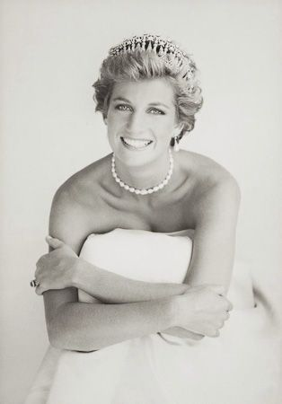 photo 054_Princess Diana London 1990 by Patrick Demarchelier.jpg Patrick Demarchelier - Exposition Photo